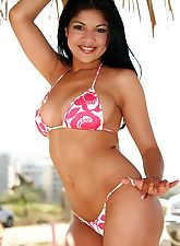 Natalia Spice goes to the beach and plays naked in the sand